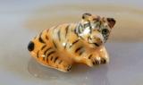 Tigerbaby, Porzellanminiaturen