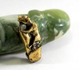 Hund auf dem Penis Bronze Erotika